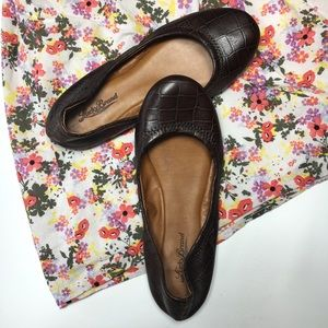 Lucky Brand Brown Flat in Alligator Print, sz 6